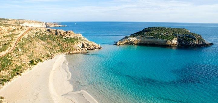 Spiaggia dei conigli Italia