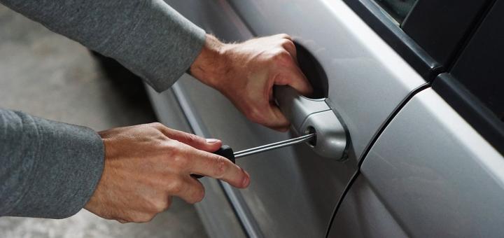 Como evitar el robo del coche en vacaciones